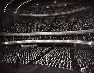 Burton Holmes audience